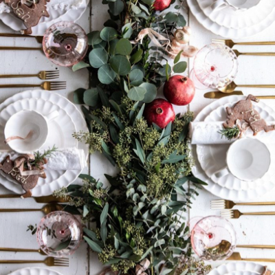 How to set a Christmas Table Fit for a Feast